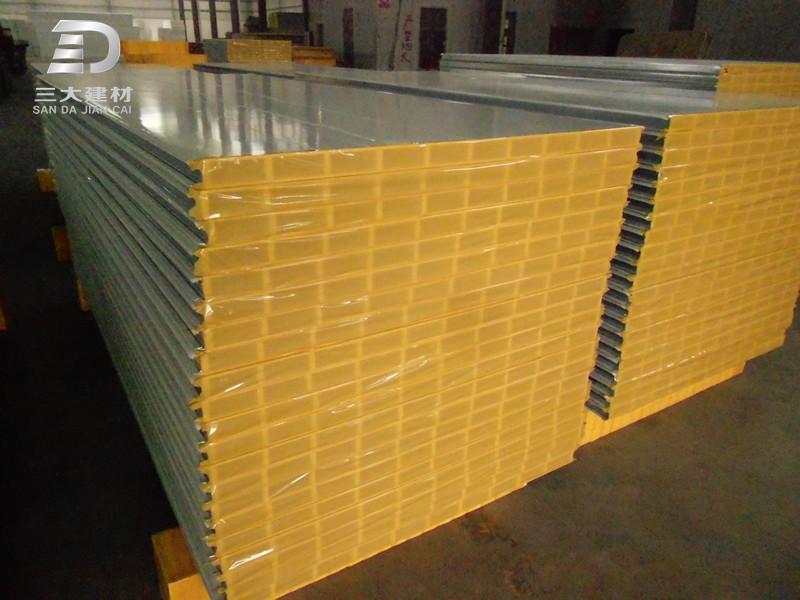 彩钢夹芯板是什么材质?彩钢夹芯板优点有哪些?